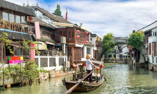 Čínske mestečká na vode sú skanzenom spred tisíc rokov, nazývajú ich aj Benátky východu